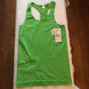 Under Armour Women's Compression Semi-Fitted NWT
